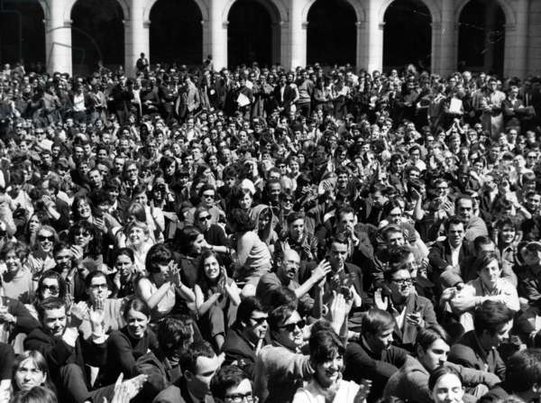 May 68 : Students in The Courtyard of The Sorbonne, Paris, For A Meeting, May 13, 1968 (b/w photo)