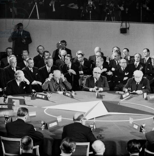 Nato Summit in Paris (Chaillot) on December 16, 1957 : Harold Macmillan, David Dwight Eisenhower, Paul-Henri Spaak, Joseph Bech (Luxemburg) (b/w photo)
