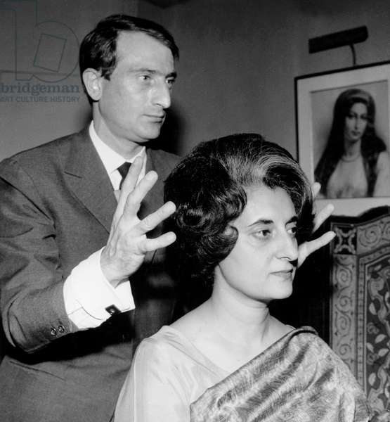 Indira Gandhi at Desfosse Hairdresser'S Shop in Paris September 21, 1962 (b/w photo)