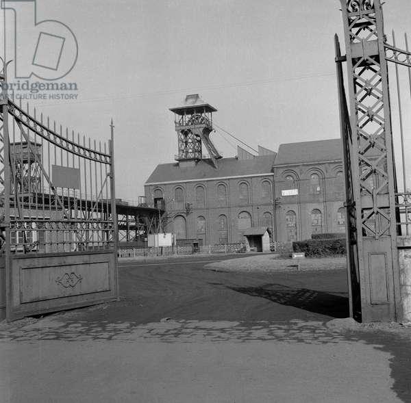 Strike at the mine in Dechy, Nord-Pas-de-Calais, March 6, 1963 (b/w photo)