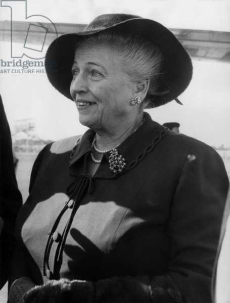 Pearl Buck A Orly September 1959 (b/w photo)