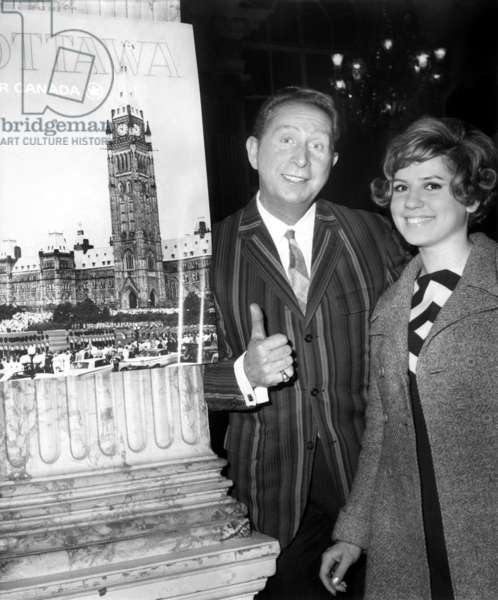 Charles Trenet Saluted By Marjorie Noel Before his Departure For Canada April 30, 1966 (b/w photo)