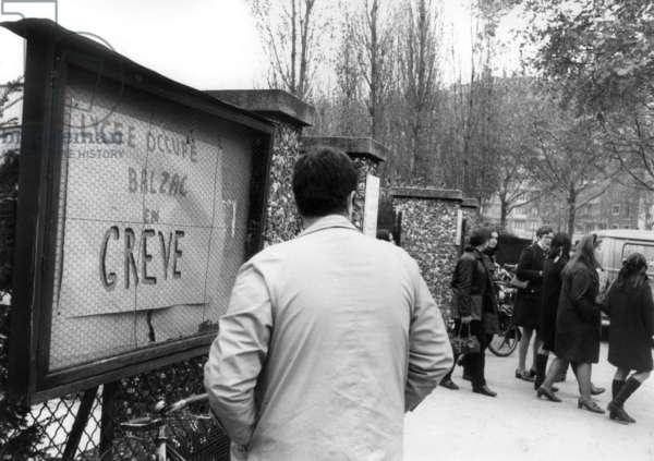 Strike at Balzac Highschool in Paris on November 13, 1968 (b/w photo)