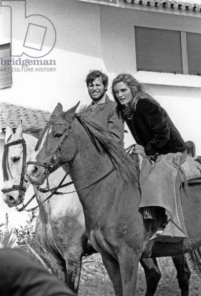 Dalida and El Cordobes in Crdoua, February 18, 1966 (b/w photo)