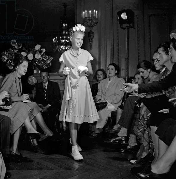 Jane Sylvain fashion show (children's fashion), Paris, October 5, 1949 (b/w photo)