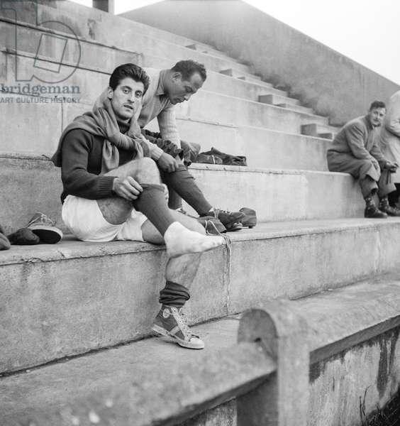 Football, match between France and Austria, French team training, October 30, 1951 : soccers Rene Vignal, Abdelkader Firoud (b/w photo)
