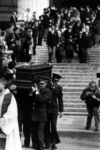 Funeral of Dalida on May 7, 1987 in Paris (Eglise De La Madeleine ) (b/w photo)