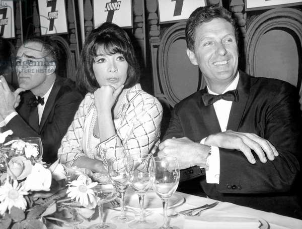 Michel Piccoli Juliette Greco and Robert Stack during Diner at Hilton Hotel in Paris May 25, 1966 (b/w photo)