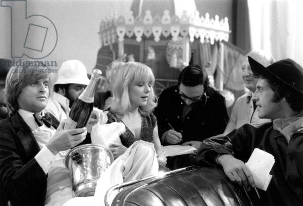Singers Dave, Carlos, France Gall and Joe Dassin during TV Programme Numero Un May 31, 1977 (b/w photo)