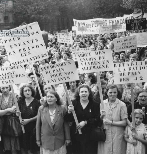 Demonstration of Women Gainst Expensive Life in Paris on September 18, 1947 (b/w photo)