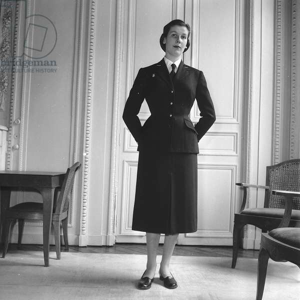 Female uniform model created by Creed, 1952
