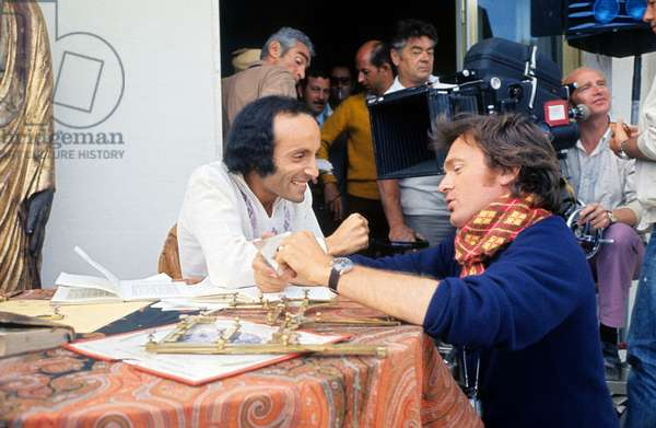 """Erich Segal And Philipe Labro On Shooting The Film """"Without Apparent Mobile"""" 1971 (photo)"""
