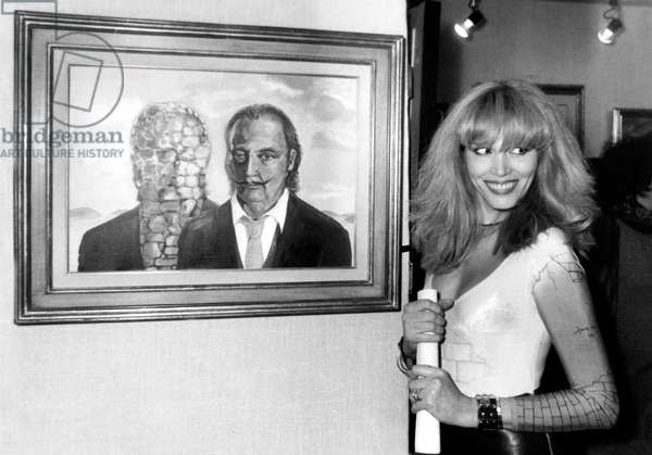 Amanda Lear at Private View of Exhibition of her Paintings January 13, 1982 (b/w photo)