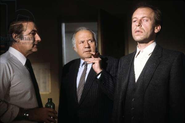 Serie Televisee Les Enquetes Du Commissaire Maigret:La Nuit Du Carrefour Avec Francois Cadet Et Jean Richard Et Rudiger Vogler, Janvier 1987 (photo)