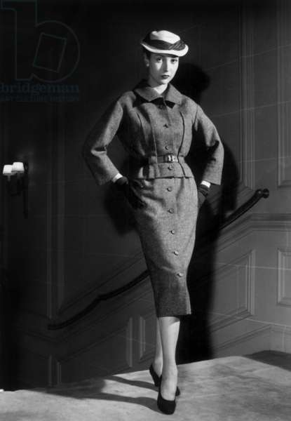 Christian Dior Collection on February 14, 1954 (b/w photo)