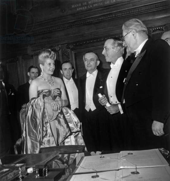 Eva Peron (Evita) With Georges Bidault, Mr Roca Argentinian Ambassador and Paul Ramadier during Signature of French-Argentinian Commercial Treaty, in July 23, 1947  (b/w photo)