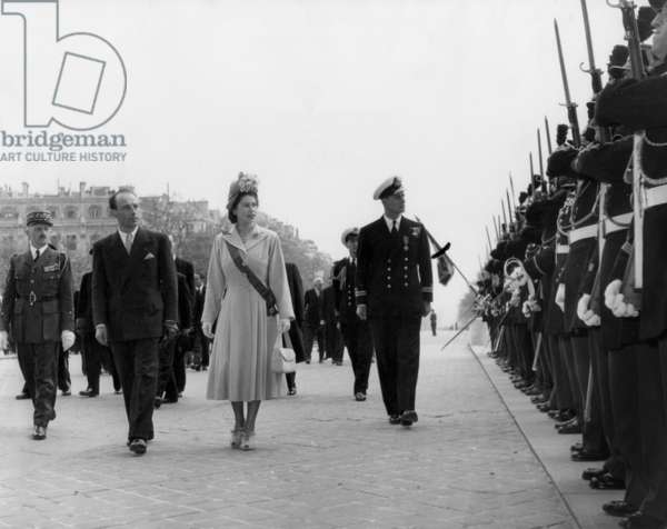 Visit of Princess Elizabeth of England (Future Queen Elizabeth Ii) in Paris on May 14, 1948 : here at Military Ceremony With General Rene Jean-Charles Chouteau (b/w photo)