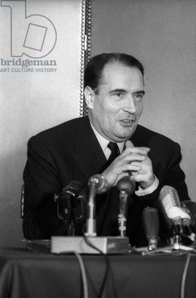 Francois Mitterrand, candidate in the French presidential election, during a press conference, hotel Lutetia, Paris, November 17, 1965 (b/w photo)