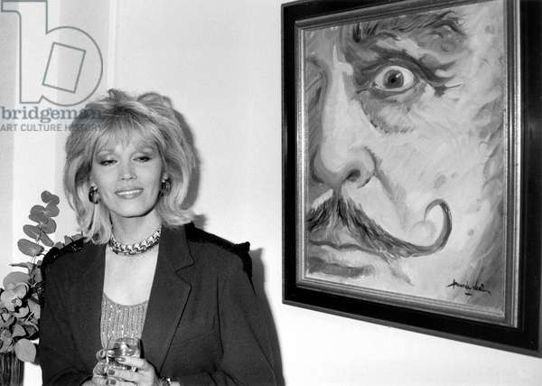Amanda Lear at Private View of Exhibition of her Paintings on February 25, 1986 in Paris (b/w photo)