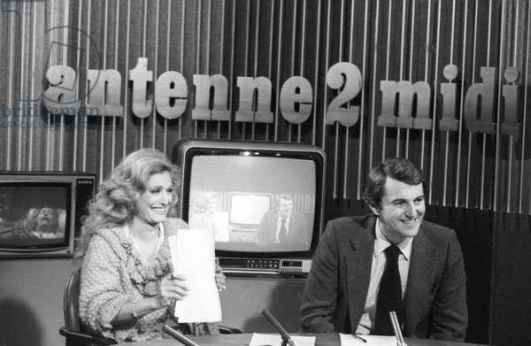 Dalida With Presenter Daniel Billalian For Television News, January 24, 1980 (b/w photo)