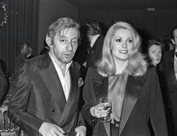 Serge Gainsbourg et Catherine Deneuve au Gala Cartier au Ritz Hotel à Paris le 24 octobre 1980 (photo b/s)
