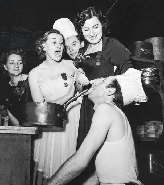 Competition for the best housewife, Paris, October 10, 1950 : the winner, Jeanne Perdriaux, and the 2nd Nicole Ducour (b/w photo)