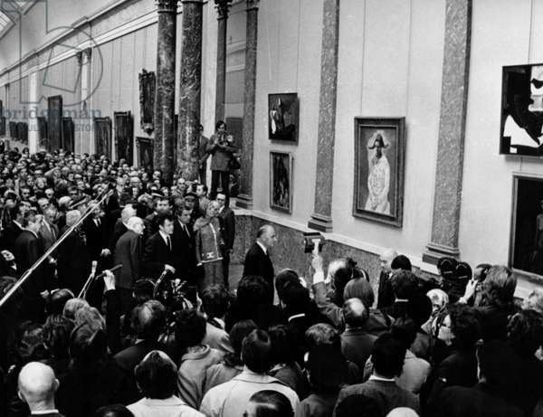 French President Georges Pompidou Inaugurating Homage Exhibition For 90th Birthday of Pablo Picasso at The Louvre Museum, 1971 (b/w photo)