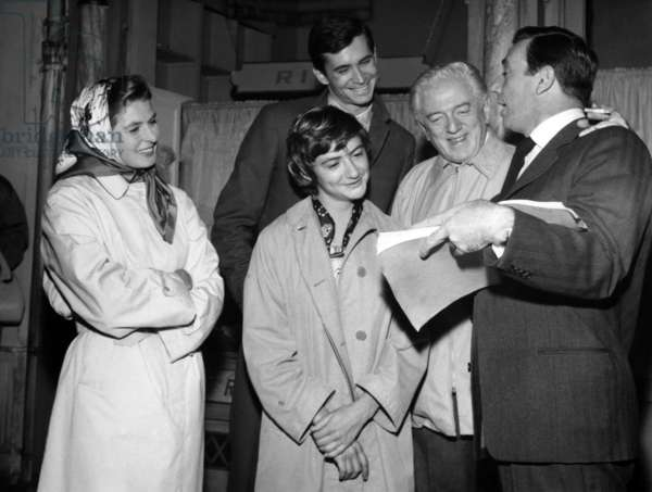 On The Set of The Film Goodbye Again (Time on her Hands) : Ingrid Bergman, Francoise Sagan, Antony Perkins, Anatole Litvak,Yves Montand, October 3, 1960 (b/w photo)