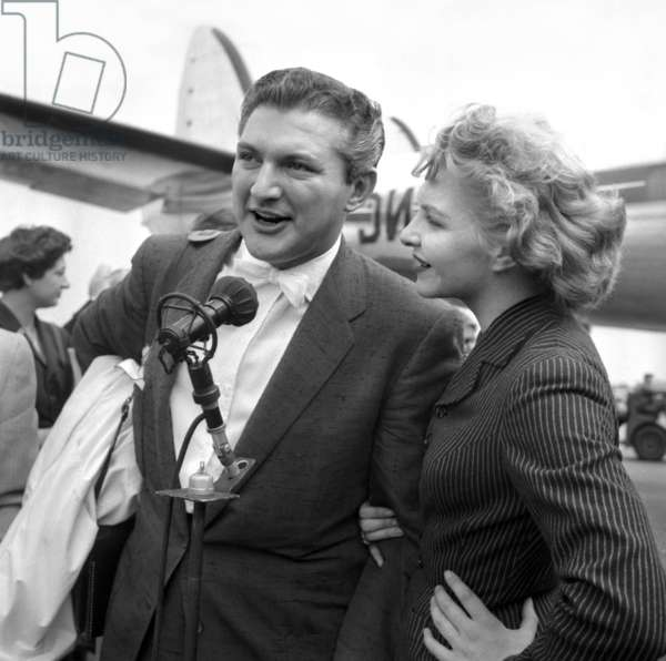 Pianist Liberace Is Welcome at Orly Airport, Paris, By Line Renaud, July 23, 1955 (b/w photo)