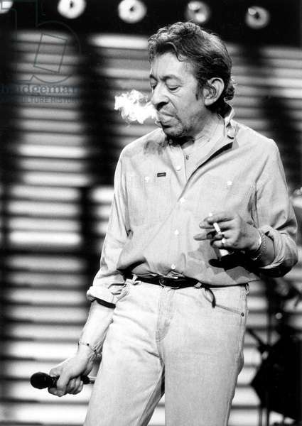 Serge Gainsbourg during Concert in Paris on September 20, 1985 (b/w photo)