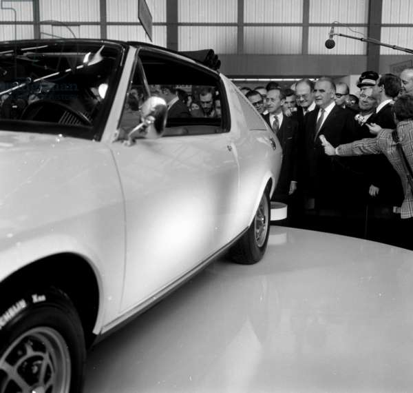 Paris Motor Show October 8, 1971 : French President Georges Pompidou Looking at Renault 17 Car (b/w photo)