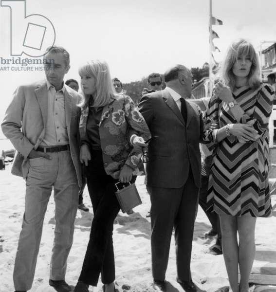 Cannes Festival, May 1967 : Michelangelo Antonioni (1912 - 2007), Monica Vitti, Carlo Ponti and Vanessa Redgrave (b/w photo)