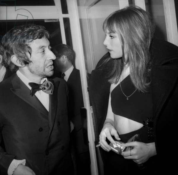 Nuit Du Cinema (Movie Prize Giving) in Paris on November 28, 1969 : Serge Gainsbourg and Jane Birkin (b/w photo)