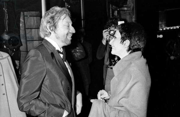 Serge Gainsbourg and Zizi Jeanmaire in Bobino, Paris, on December 13, 1977 (b/w photo)