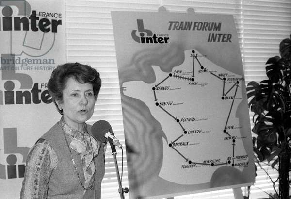 Jacqueline Baudrier (Radio France CEO) presenting the France Inter Trainforum on April 11, 1979 at the Maison de la Radio in Paris (b/w photo)