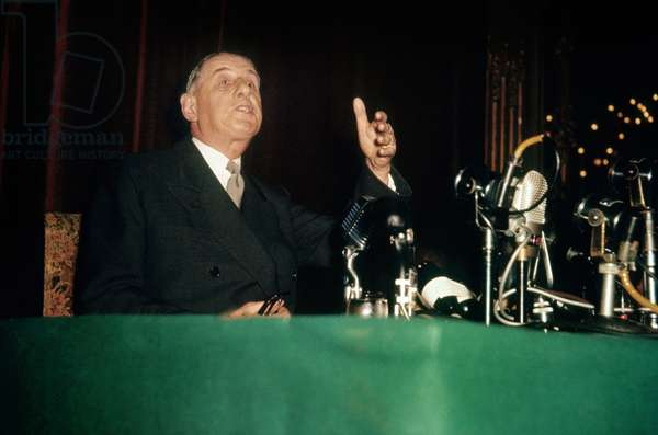 Do You Believe I Will Become A Dictator at 67 Years Old? : Speech of French President Charles De Gaulle during Press Conference May 19, 1958 at The Time of War in Algeria (photo)