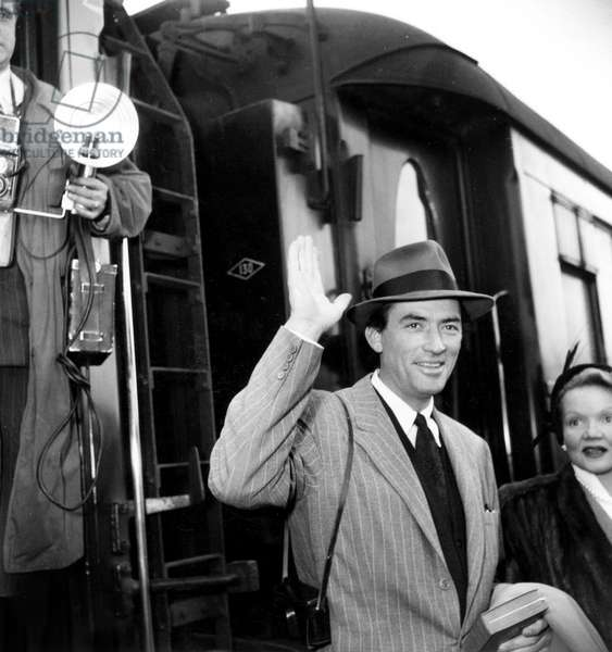 Gregory Peck in Paris April 07, 1950 (b/w photo)