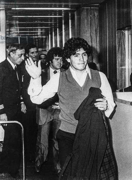 Diego Maradona (b/w photo)