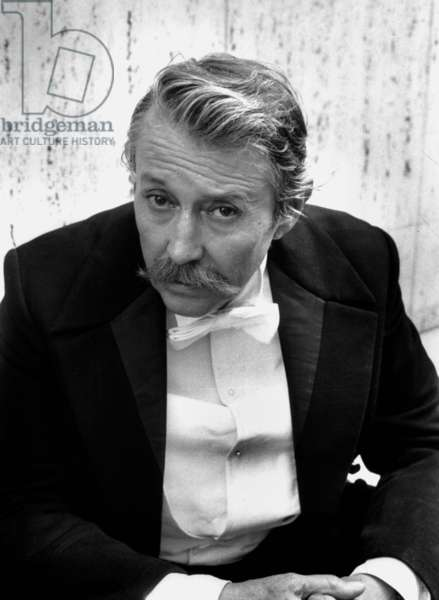 Michel Auclair dans tvmovie «Bel-Ami» 26 juin 1982 (photo b/w)