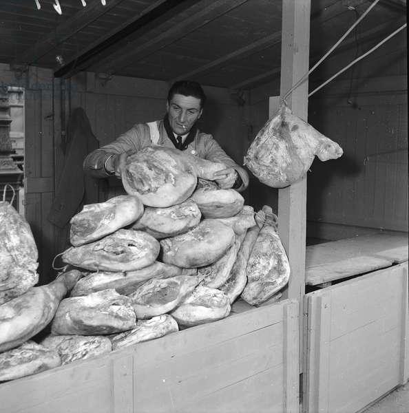 Scrap metal and hams fair, Paris, 1952