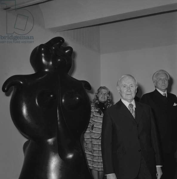 Joan Miro with art collector and dealer at the Maeght foundation in Saint Paul de Vence during his work exhibition on April 16, 1973
