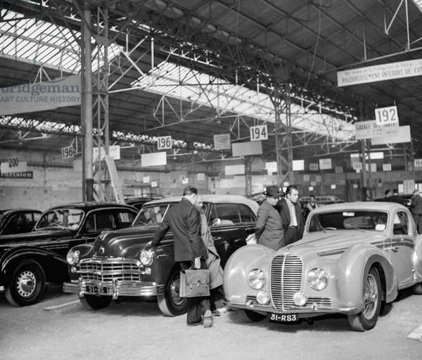 Opening of the motor show (secondhand cars), October 5, 1950, Paris (b/w photo)