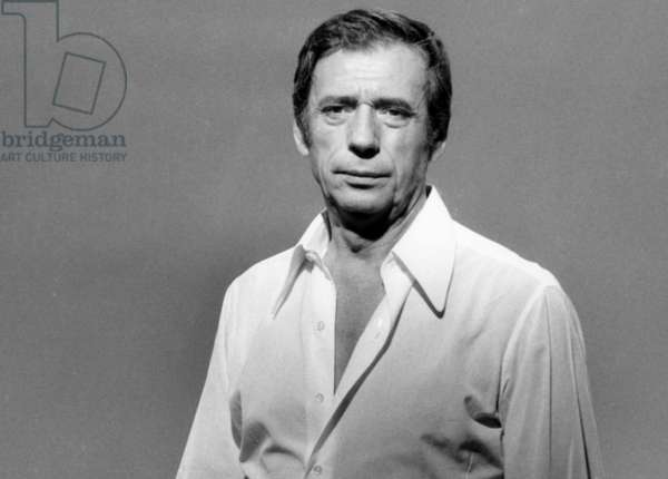 "Yves Montand during Recording of TV Programme ""Show Yves Montand"" October 27, 1973 (b/w photo)"