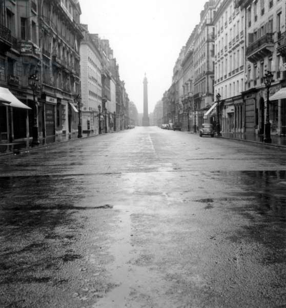 Paix Street in Paris, With in The Background Vendome Column, on August 14, 1955 (b/w photo)