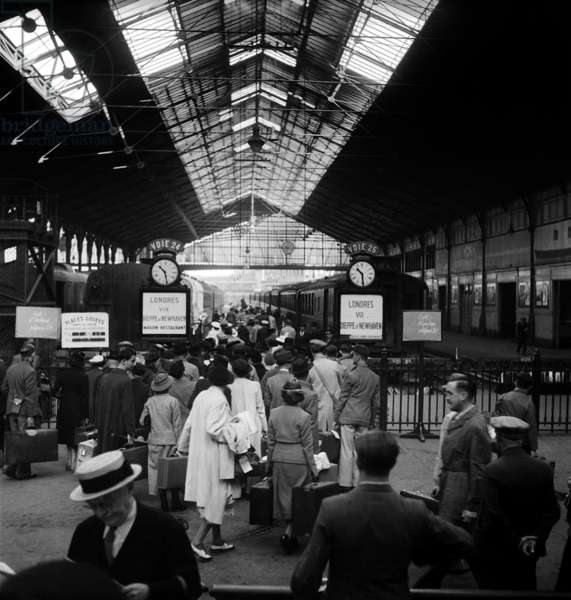 Departure For Holidays at The St Lazare Station, Paris, August 15, 1947 (b/w photo)