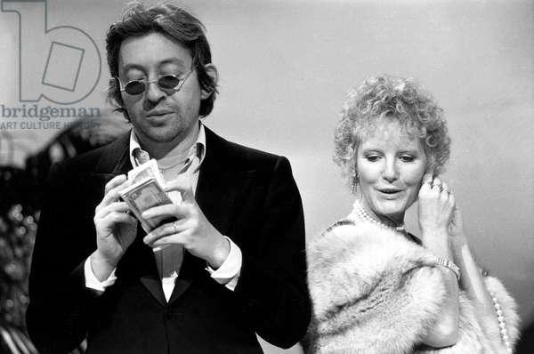 Serge Gainsbourg and Petula Clark on November 17, 1973 during TV Programme Top A Petula Clark (b/w photo)