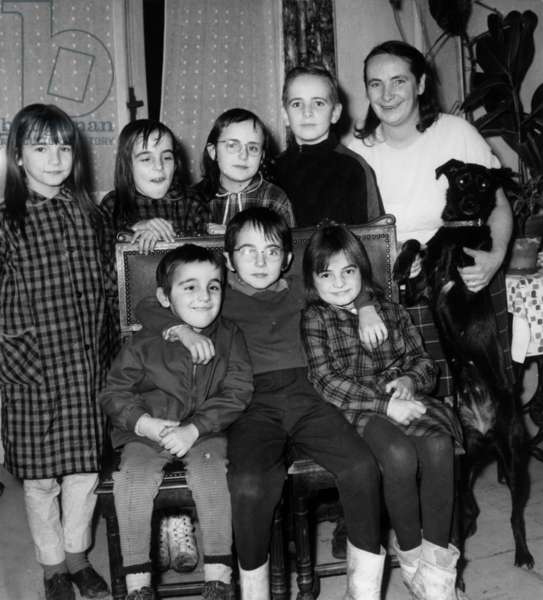 The Family Bonte Win The Prize Cognacq Jay (For Poor Family With More Than Two Children), 1968 (b/w photo)