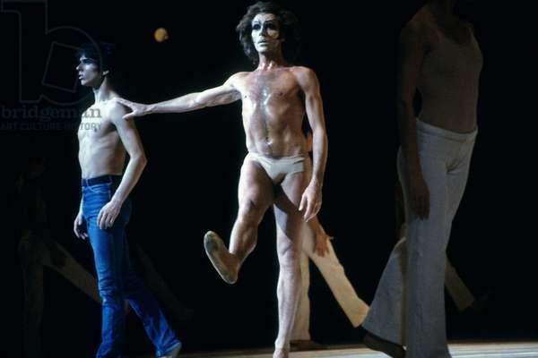 """Ballet By Maurice Bejart """"Messe Pour Le Temps Futur"""" in Paris on February 14, 1984 : Michel Gascard (L), Jorge Donn (C) (photo)"""