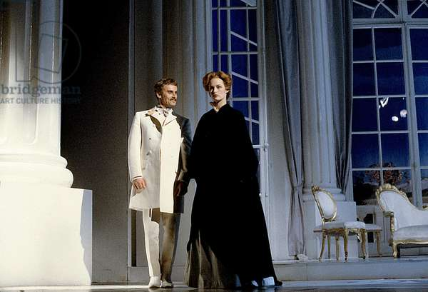 Play Gone With The Wind With Gabrielle Lazure (Scarlett O'Hara) and Daniel Olbrychski (Rhett Butler) on January 20, 1984 in Paris (photo)