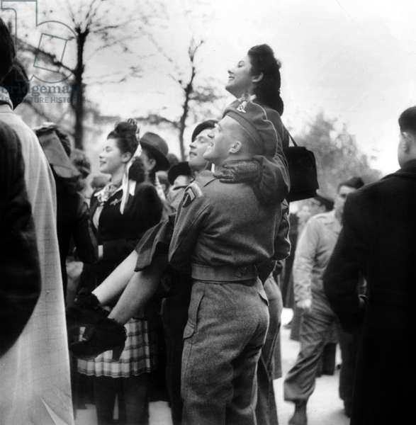 Allied Forces Soldiers Lift A Young Woman during The Celebration of The 11Th November 1944 in Paris Neg:516 (b/w photo)